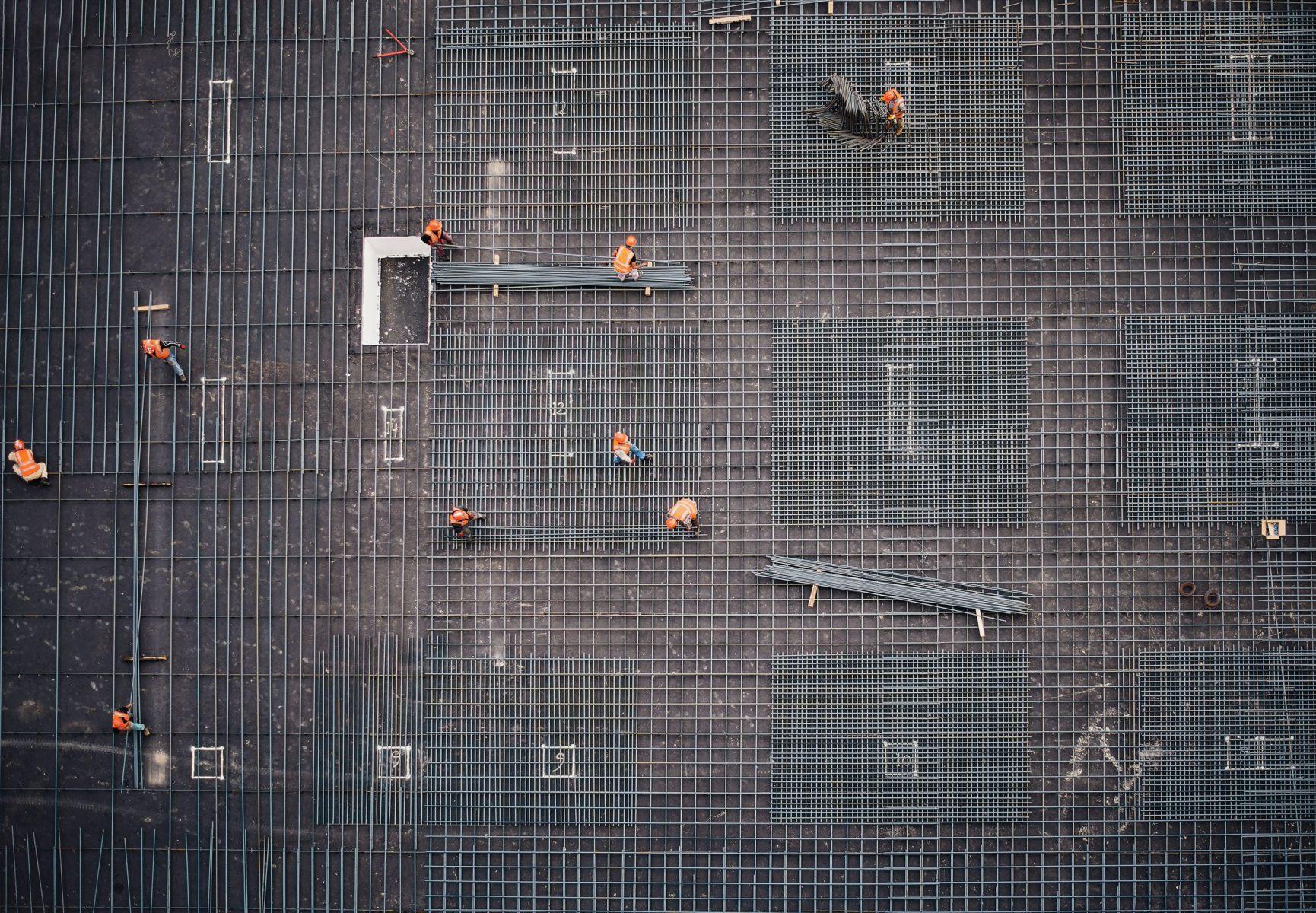 Wat is er nodig voor een baan in de bouw?